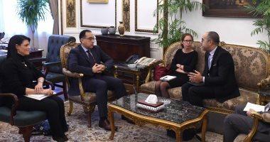 رئيس الوزراء يلتقى مدير التنمية والتطوير العمراني بالبنك الدولى